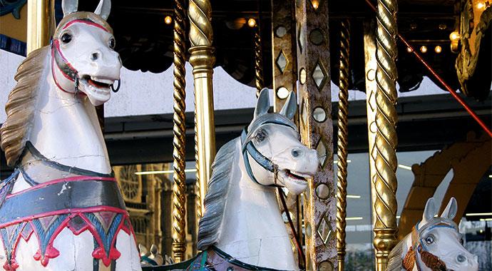 ,erry-go-round-horses