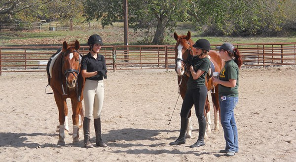 cal-poly-dressage-girls-talking