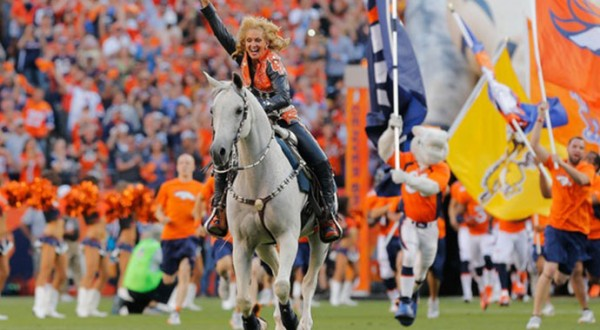 Denver-Broncos-Thunder-2-Horse