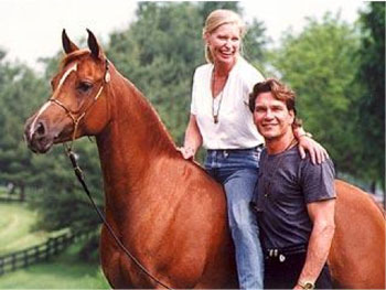 patrick-swayze-and-wife-with-horse