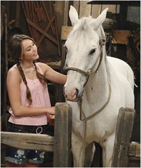 miley-cyrus-with-horse